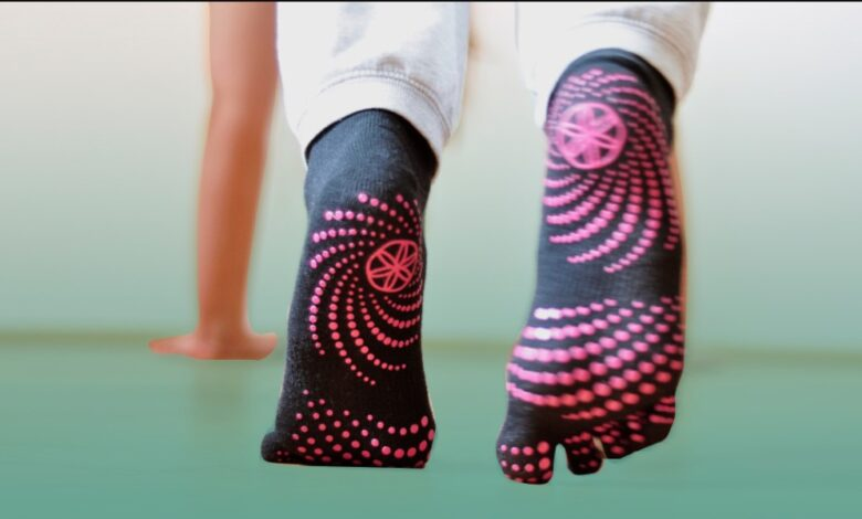 Review Tape Design Grip Yoga socks